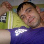 Парень ищет девушку/женщину в Пятигорске, которая поможет стать мужчиной. Хочу, что бы научила всему.