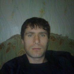 Я приятный и красивый студент. Ищу стройную и красивую девушку в Пятигорске для секса