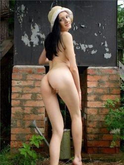 Девушке очень скучно в Пятигорске и очень не хватает секса